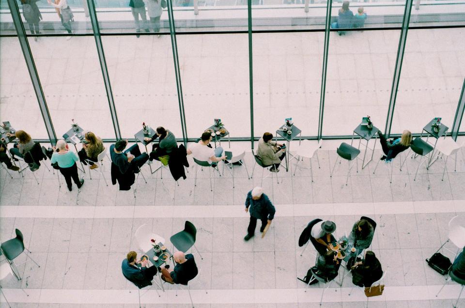 Kuidas saavutada innustavat atmosfääri töökohal? 10 nippi, mida kergesti ellu viia!