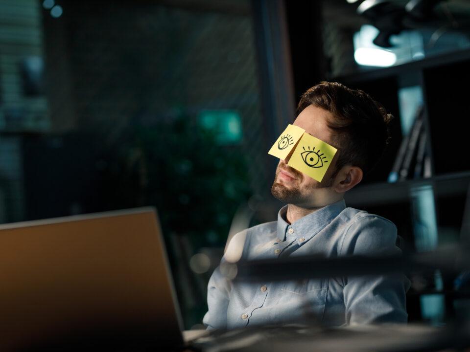Enam kui pooled eestlastest teevad tööl ületunde
